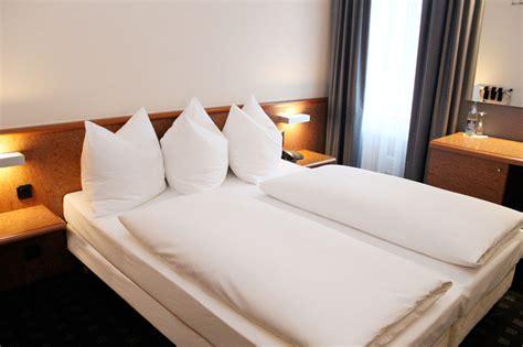 betten machen dekorativ ara hotel 3 sterne zimmer ingolstadt schollstra 223 e 10a