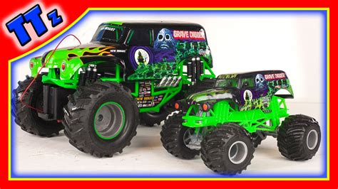 toy monster truck videos for kids grave digger toys monster jam monster truck toys