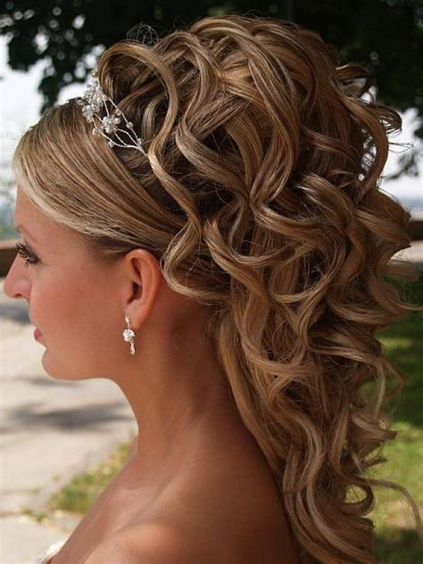 Formal Hairstyles For Hair For by 25 Amazing Prom Hairstyles Ideas 2017 Sheideas
