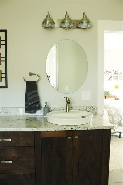 How To Decorate Bathroom Mirror How To Decorate A Bathroom Without Clutter