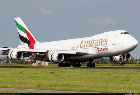 emirates cargo oo thd emirates sky cargo boeing 747 400f erf at