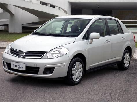 nissan tiida hatchback nissan tiida sedan 2597584