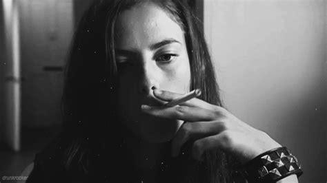 imagenes sad fumando kaya scodelario smoking gif find share on giphy