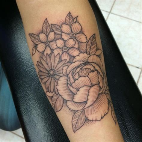 fiori x tatuaggi fiori 44 ispirazioni per tatuaggi che sbocciano