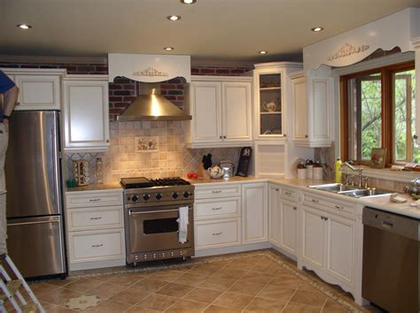 Home Decorating Ideas Kitchen Cabinets Kitchen Picture Houzz Antique White Kitchen Cabinets