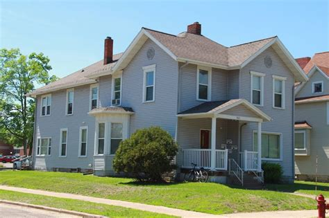 Term Lease Apartments Eau Wi 820 S Barstow St Apartment 5 Uwec Student Apartment For