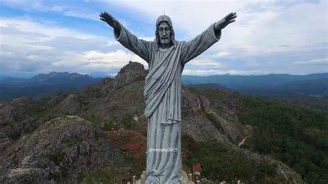 Patung Keluarga Yesus karena toraja memang masih dan selalu pantas untuk dikunjungi