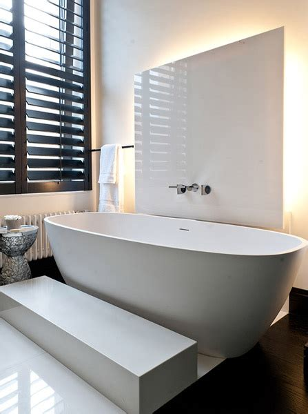 Modern Interior Decorating And Home Staging Trends For Bathroom Lighting Trends