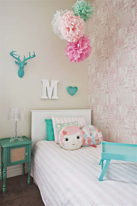 Bedroom Ideas For 14 Year Olds by Our Top 10 Favorite Kid Friendly Wallpapers The Well