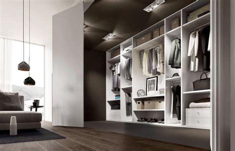 cabina armadio con finestra ad ogni casa la sua cabina armadio