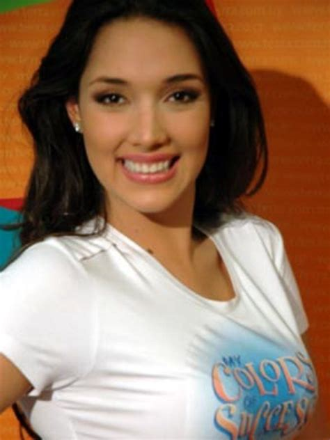dominican layered hairstyles amelia vega amelia vega eyes babe chickipedia lovely
