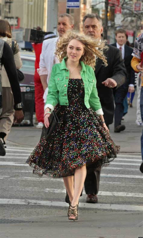 Carrie Diaries Wardrobe by The Carrie Diaries Getting As Carrie Bradshaw