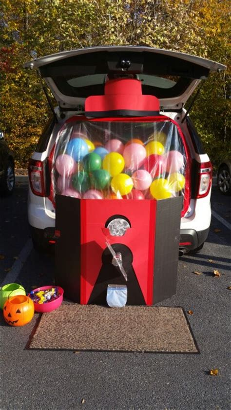 decorate your car for 16 ways to decorate your car for trunk or treat tip junkie