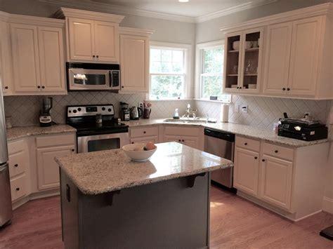 Niveous cabinets, Stone Harbor pinstripe glaze & Taos