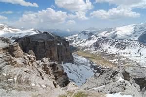 dolomite mountains dolomites wikipedia