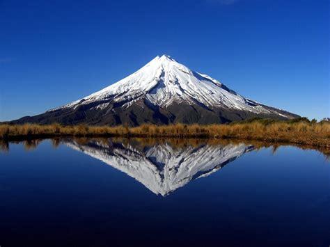 blue wallpaper nz mount taranaki new zealand beautiful places to visit