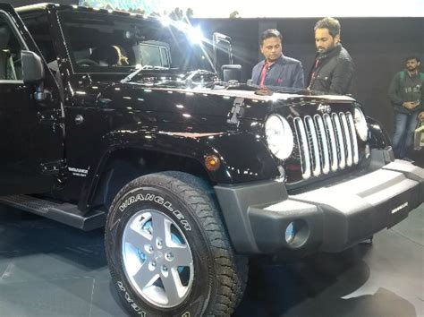 Jeep Owned By Fiat Owned Jeep Introduce 3 Suvs At 2016 Auto Expo