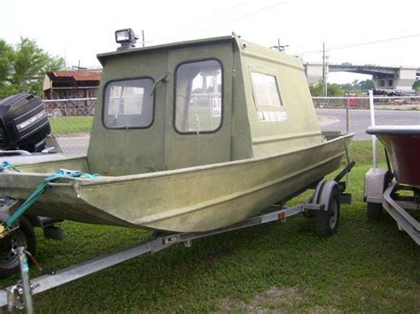 alumaweld tunnel hull boats used alumaweld boats for sale boats
