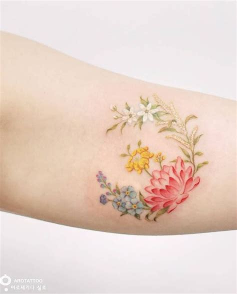 dainty flower tattoo 25 best ideas about small colorful tattoos on