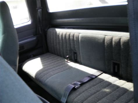 f150 bench seat 93 f150 xlt rear bench seat who has this truck ford