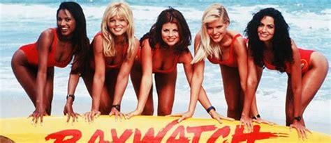 film semi era 90 an atrizes de baywatch revelam que contrato exigia boa