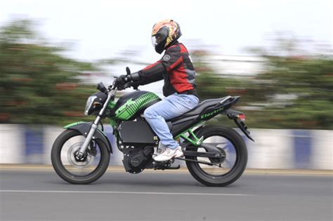 Motor Aki Ride On Motorcycle Electric Fz Sport L tork motorcycles electric fz feature autocar india