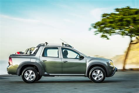 renault duster oroch renault duster oroch pickup truck released in brazil 73