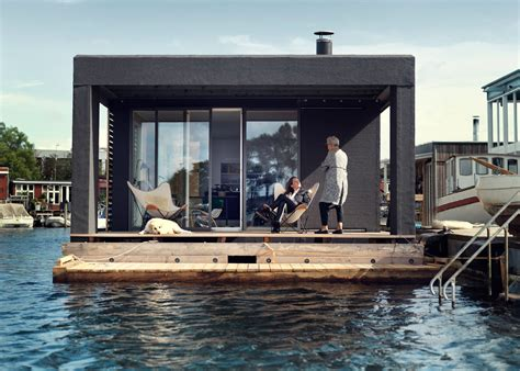 floating house boat this is a 753 square foot two bedroom houseboat built by