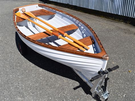 row boat dinghy the minto 9 rowboat a well loved family dinghy whitehall