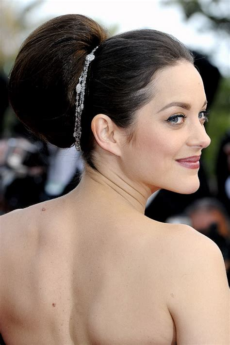 Bridal Hairstyles Simple And Elegant   fantastic long wedding hairstyles for bridals pretty designs