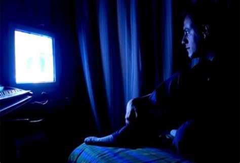 ver imagenes oscuras ver la televisi 243 n a oscuras perjudica la vista bcnbaixavisio