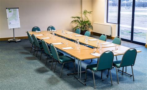 flexible meeting tables fusion executive furniture kingsgate conference centreauditorium meeting rooms in