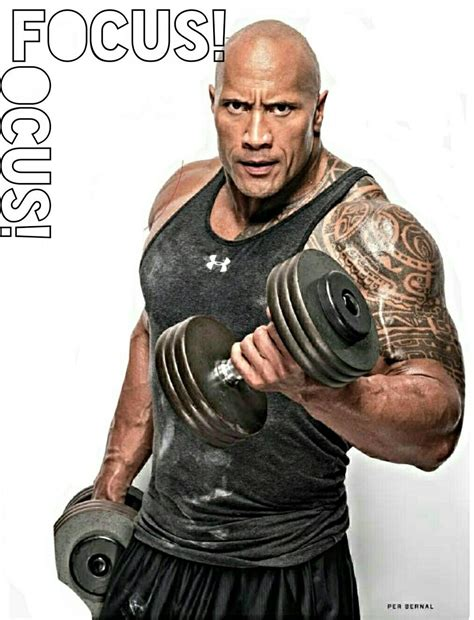 how much can dwayne johnson bench how much can dwayne johnson bench 100 how much can dwayne