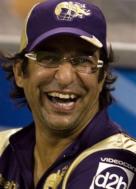 wasim akram king of swing pakistani cricket players wasim akram