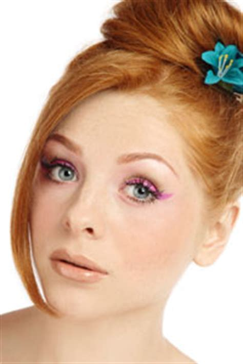 Cat Eyes and Color: Secrets of the '60s Makeup Look