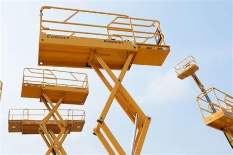 piattaforme mobili elevabili piattaforme di lavoro mobili elevabili sicur macchine