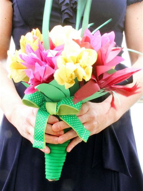 How To Make A Paper Wedding Bouquet - diy paper flowers for a wedding bouquet diy