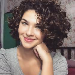 cuts for 55 year and wavy hair best 25 curly hairstyles ideas on pinterest