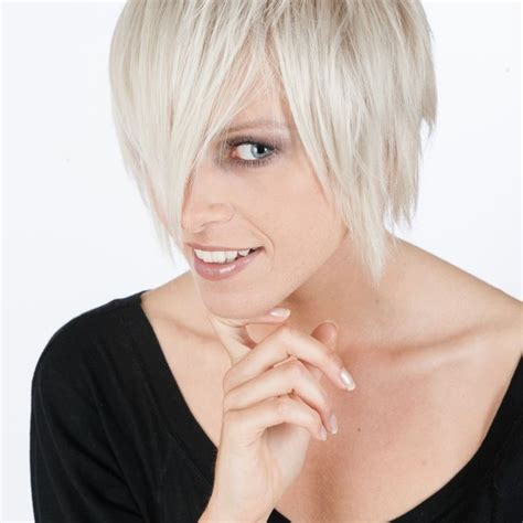 short hairstyles for growing out short hair tips for growing out short hair hairstyles pinterest