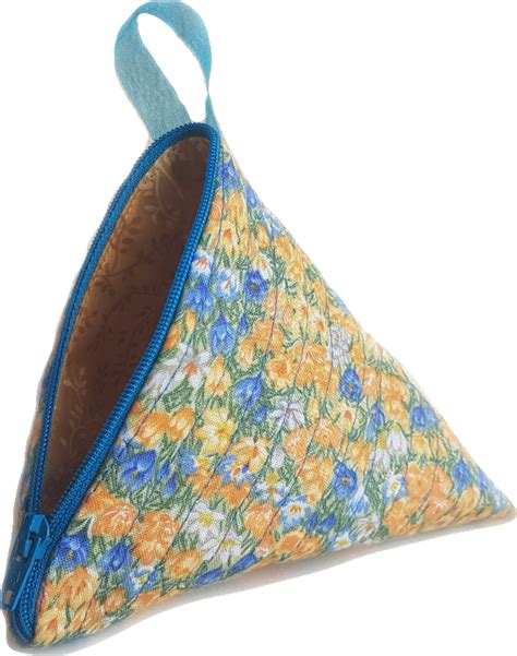 free pattern lined zippered pouch free sewing pattern fully lined pyramid zip pouch