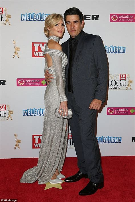 Splitsville For Jess And by Marais Admits She Is Not A To Four