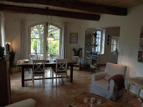 Le Wohnzimmer by Ferienwohnung Le Martinet Mont Ventoux Firma La