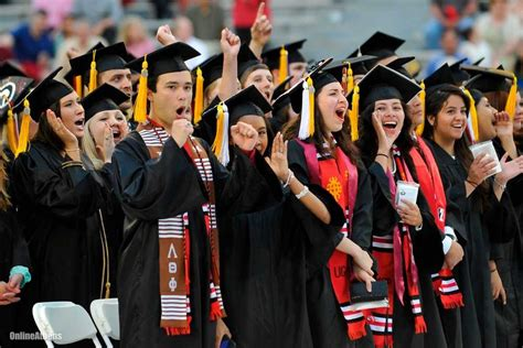 jackson graduates from u of georgia uga adds more than 4 000 to alumni rolls in graduation
