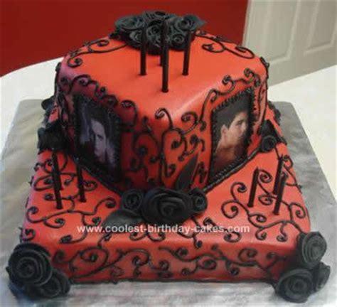 image coolest twilight book cake 5 21338906 jpg image coolest twilight edward and jacob cake 22 21388251