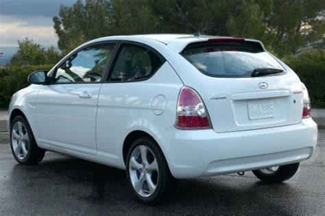 file 2006 2007 hyundai accent mc fx limited edition hatchback 01 jpg wikimedia commons used 2007 hyundai accent for sale pricing features edmunds