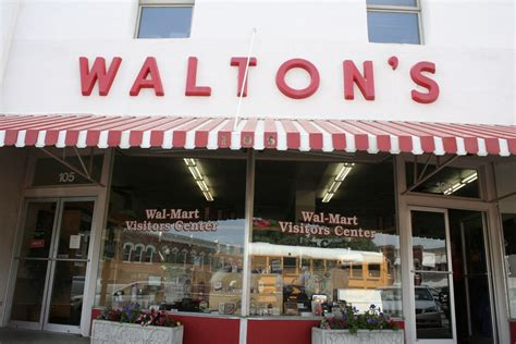 sam walton s first five and dime store in bentonville waltons store sam walton s first store in bentonville