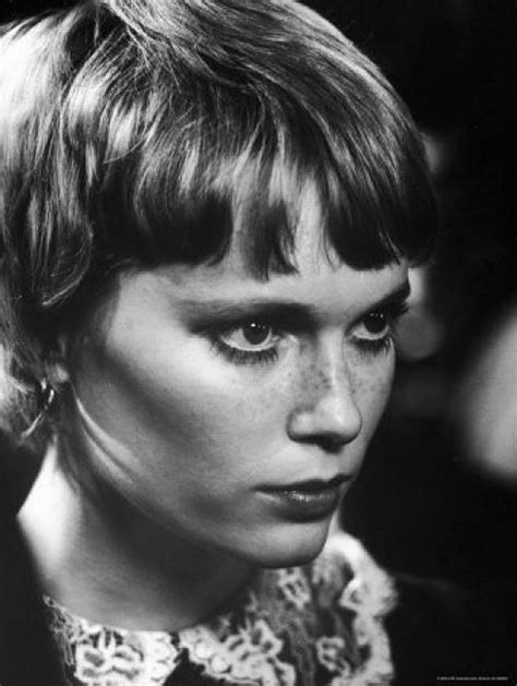 mia farrow s 6 best haircuts vogue 115 best actrices n 1940 1949 images on pinterest