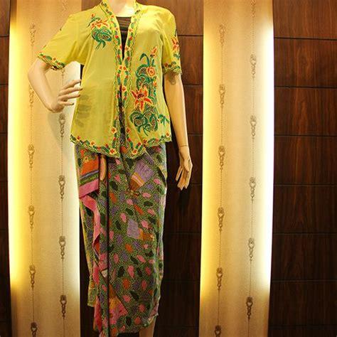 Pakaian Baju Wanita Kebaya Encim Bunga Matahari Merah Lengan 3 4 48 best pakaian wanita images on product page