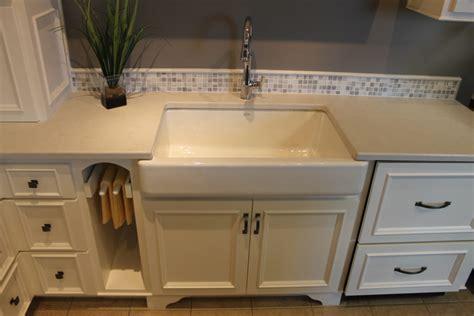 natural materials create farmhouse kitchen design hgtv top 28 farmhouse kitchen style at valley natural