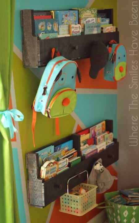 18 Ways To Use Wood Pallets That Are Eco Friendly Kid Friendly Bookshelves